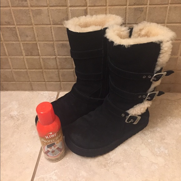 UGG Shoes   Used Girls Size 2 Boots